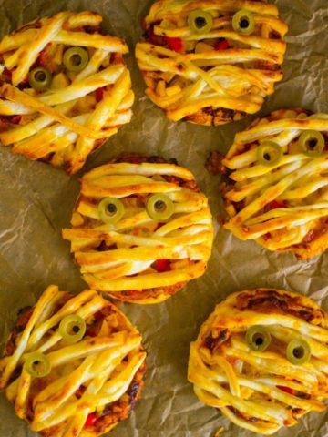 Mini Pizza Mummies for Halloween