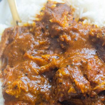 CLose-up of pork vindaloo