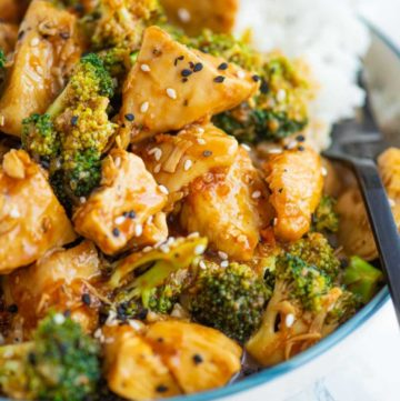 Close-up of a bowl of chicken and broccoli