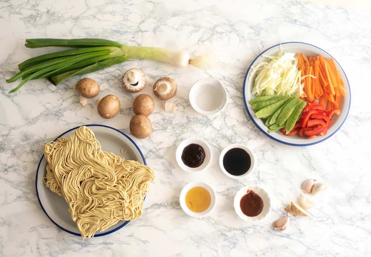 all the ingredients used for making Vegetable chow mein