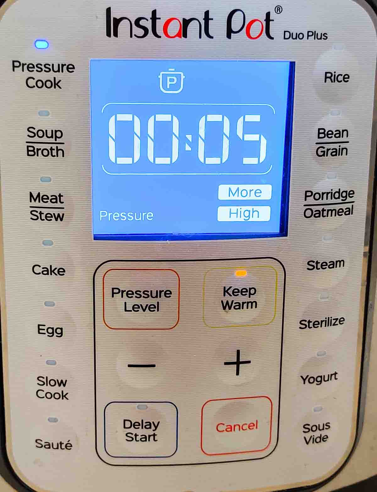 Display panel of an Instant Pot in Pressure cook mode